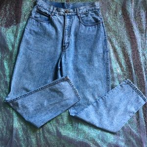 Denim - 🆕Vintage Mom jeans